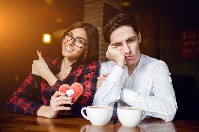 girlfriend couple cafe by freepik